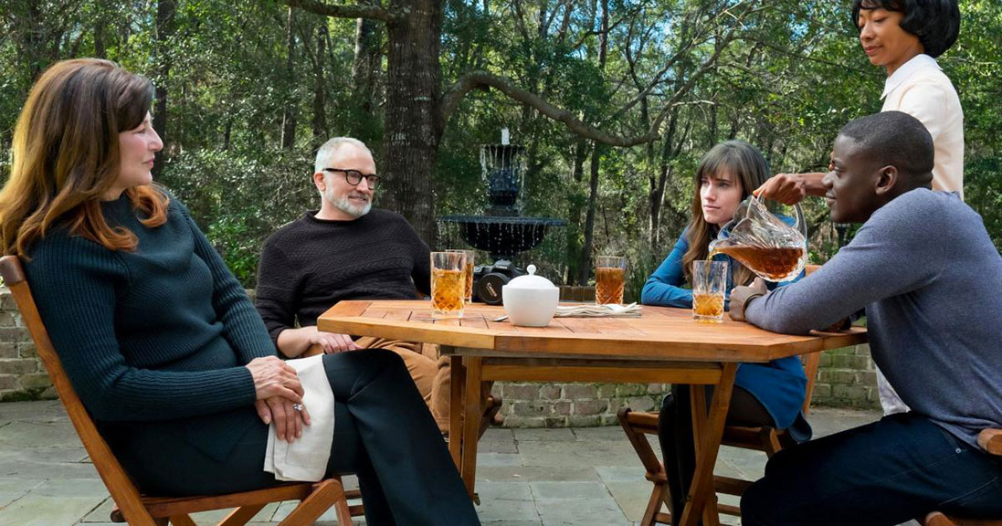 Catherine Keener, Bradley Whitford, Daniel Kaluuya, Betty Gabriel, Allison Williams dans Get Out