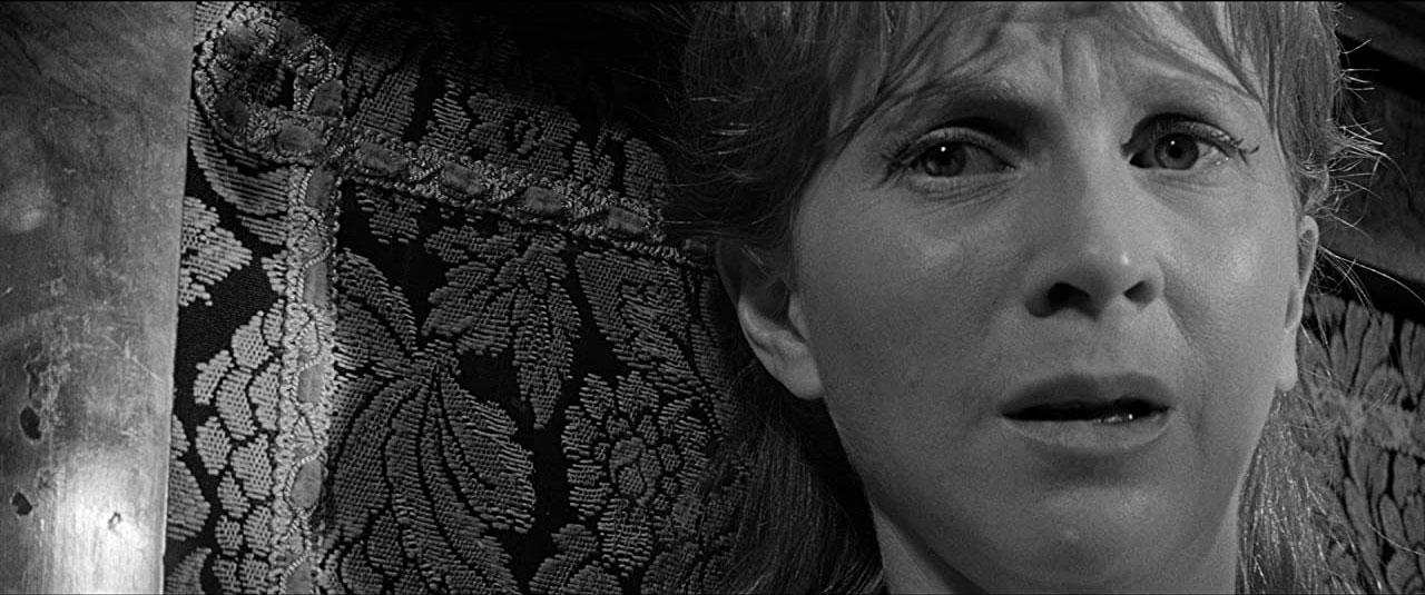 Julie Harris dans La Maison du diable