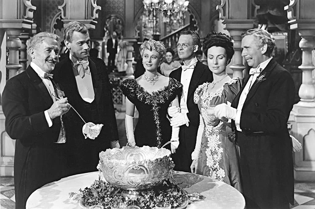 Joseph Cotten, Agnes Moorehead, Richard Bennett, Ray Collins, Dolores Costello, Don Dillaway dans La splendeur des Amberson