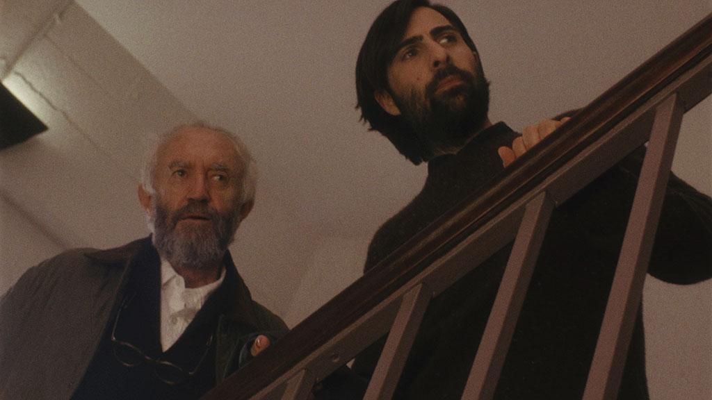 Jonathan Pryce, Jason Schwartzman dans Listen Up Philip