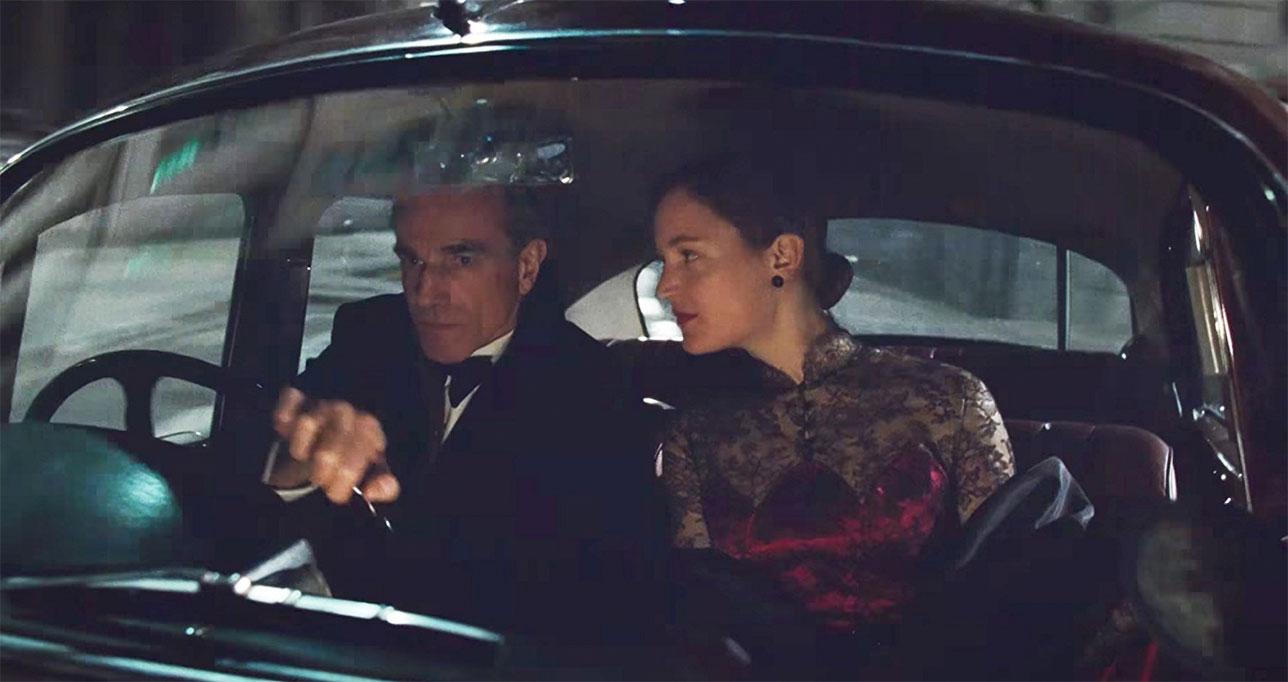 Vicky Krieps, Daniel Day-Lewis dans Phantom Thread