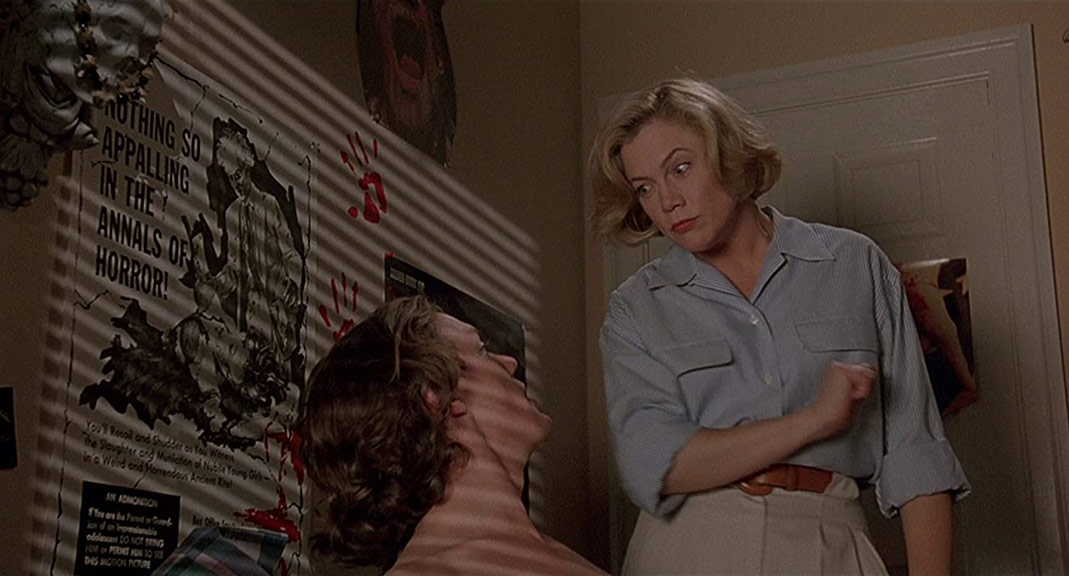 Matthew Lillard, Kathleen Turner dans Serial Mother