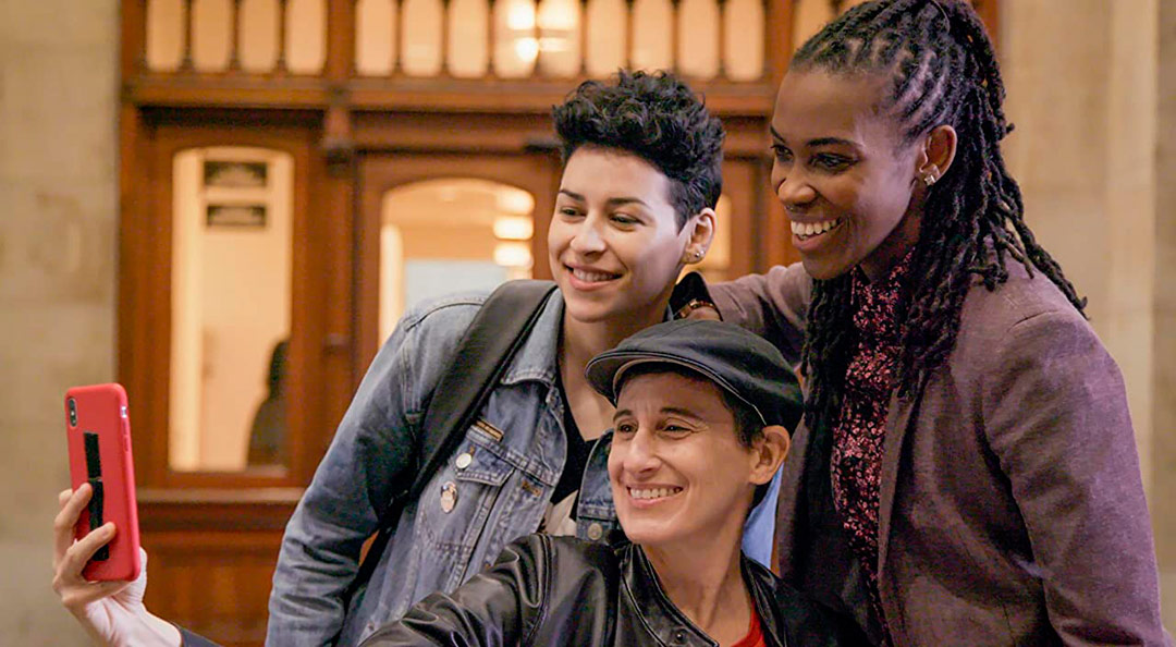 Denice Frohman, Franco Stevens, Amber Hikes dans Ahead of the Curve