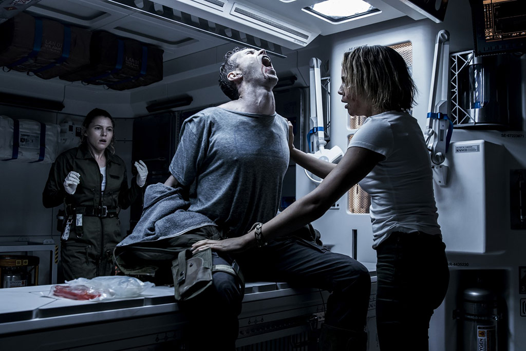 Carmen Ejogo, Amy Seimetz, Benjamin Rigby dans Alien: Covenant