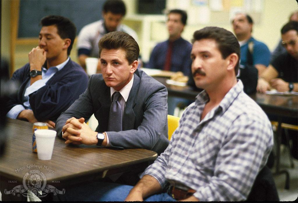 Sean Penn dans Colors