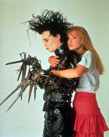Johnny Depp, Winona Ryder dans Edward aux mains d'argent