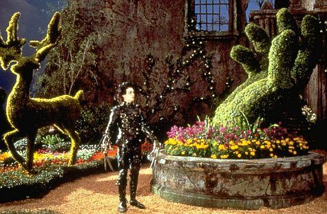 Johnny Depp dans Edward aux mains d'argent