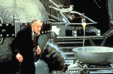 Vincent Price dans Edward aux mains d'argent