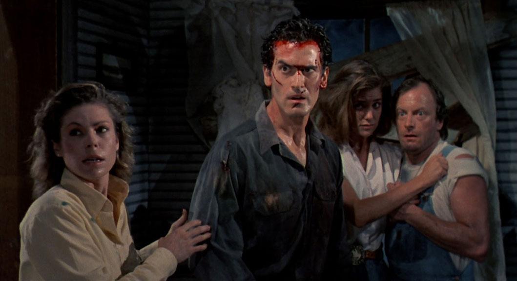 Sarah Berry, Bruce Campbell, Kassie Wesley DePaiva, Dan Hicks dans Evil Dead 2