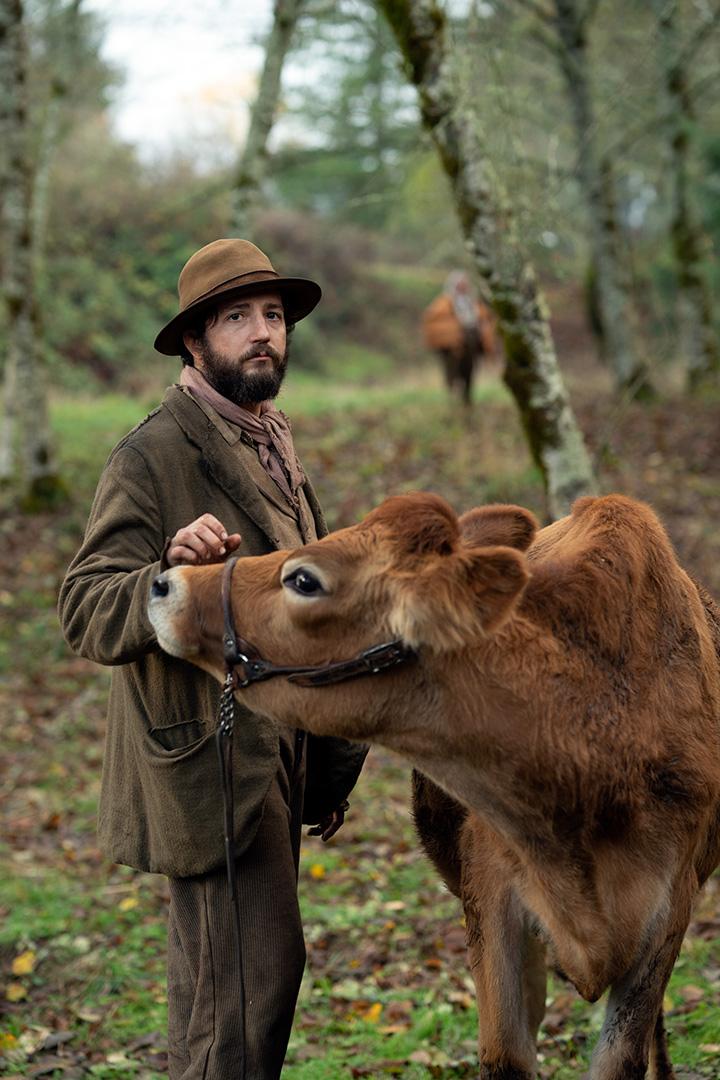 John Magaro dans First cow