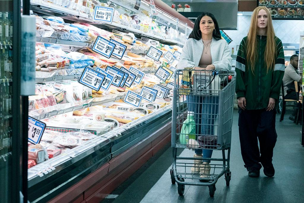 Gina Rodriguez, Evan Rachel Wood dans Kajillionaire