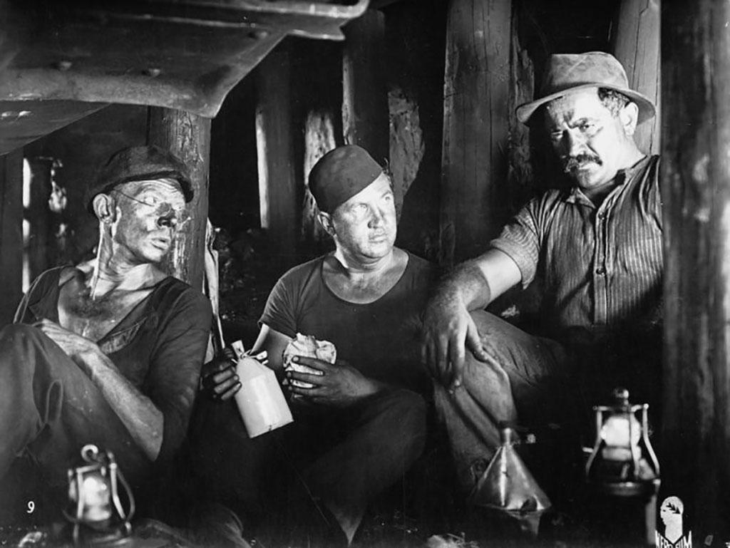 Alexander Granach, Fritz Kampers, Ernst Busch dans La Tragédie de la mine
