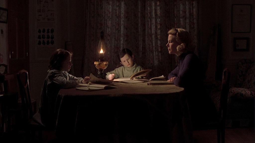 Nicole Kidman, Alakina Mann, James Bentley dans Les Autres