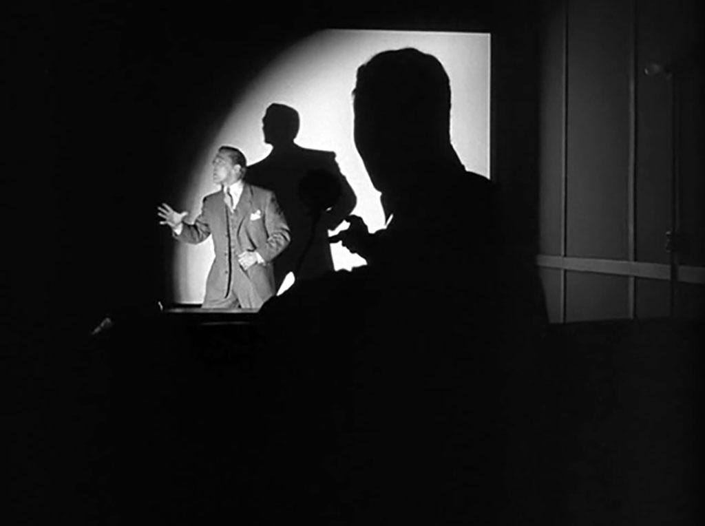 Kirk Douglas dans Les Ensorcelés