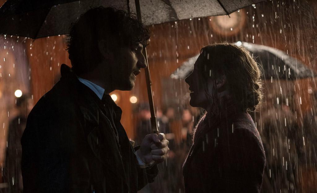Louis Garrel, Saoirse Ronan dans Les Filles du Docteur March