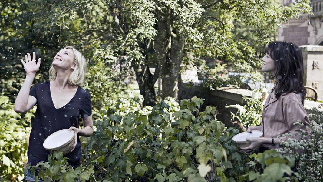Kirsten Dunst, Charlotte Gainsbourg dans Melancholia