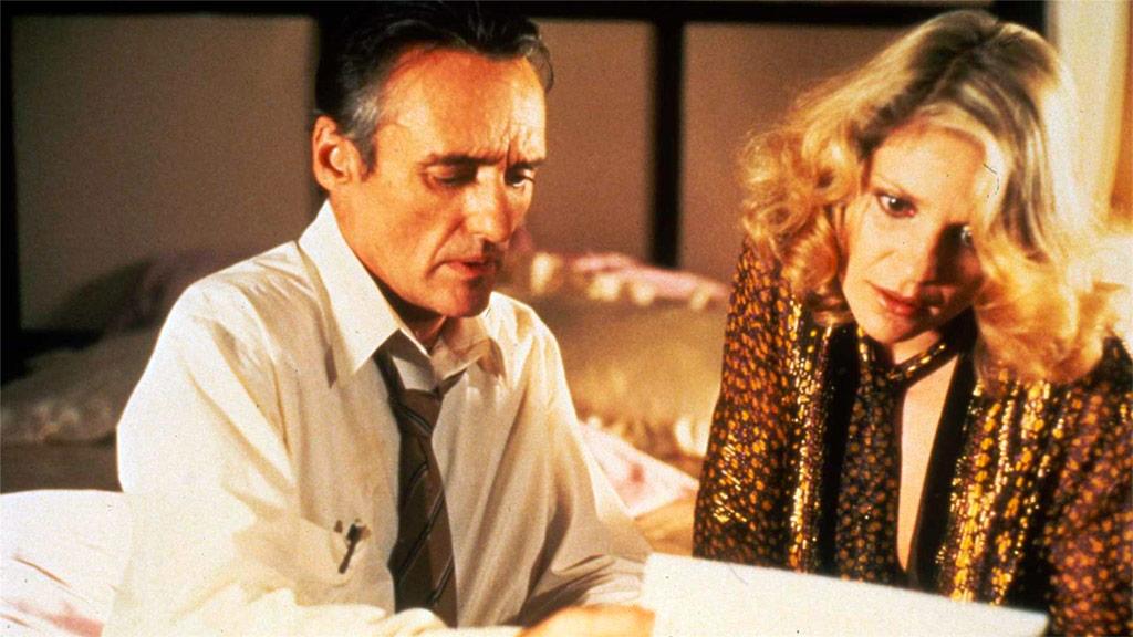 Dennis Hopper, Helen Shaver dans Osterman week end