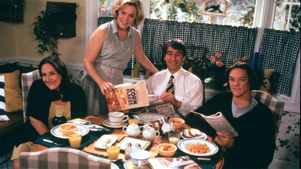 Matthew Lillard, Kathleen Turner, Ricki Lake, Sam Waterston dans Serial Mother