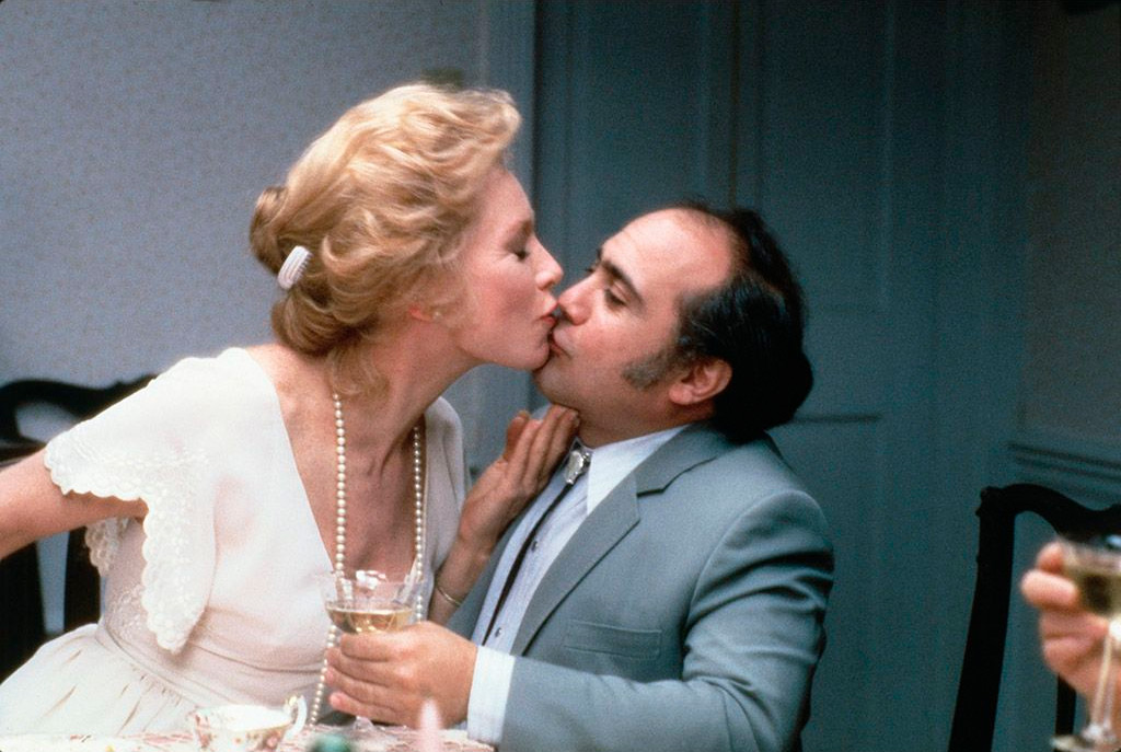 Shirley MacLaine and Danny DeVito dans Tendres Passions