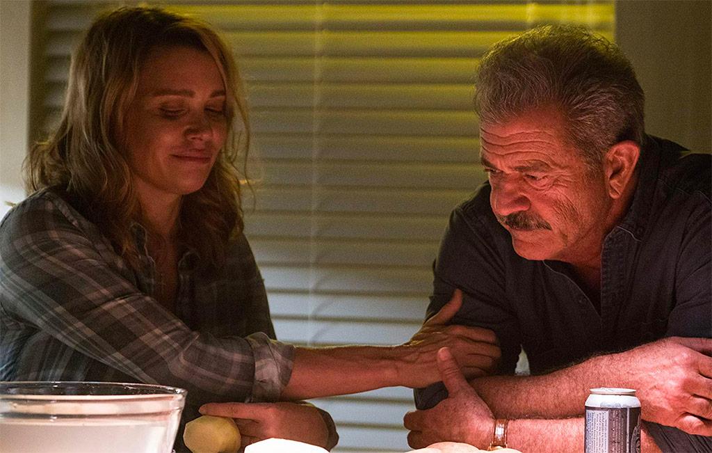 Laurie Holden, Mel Gibson dans Traîné sur le bitume