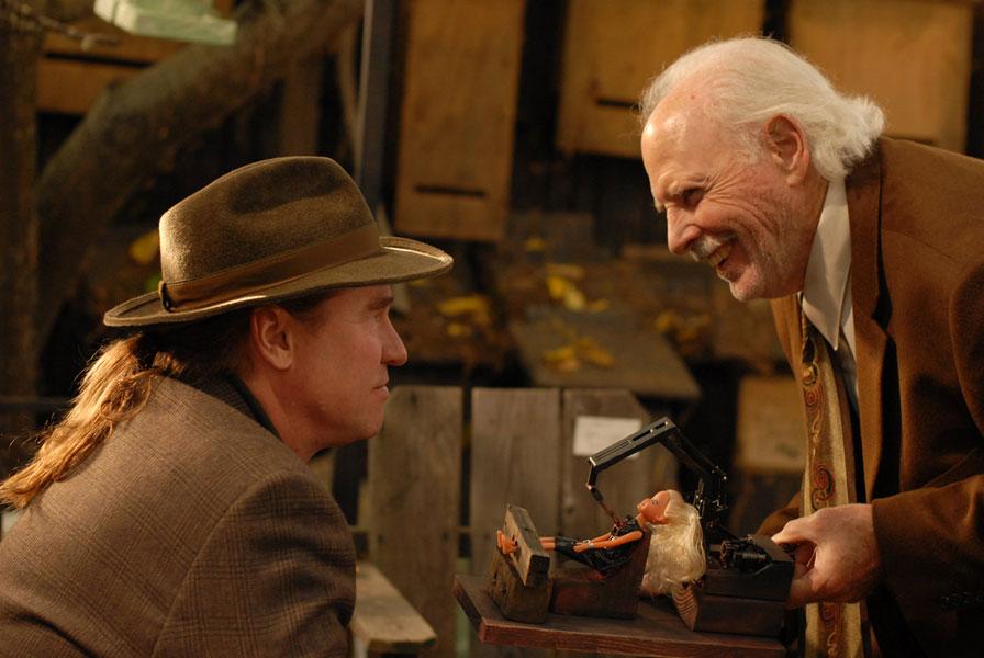 Val Kilmer, Bruce Dern dans Twixt