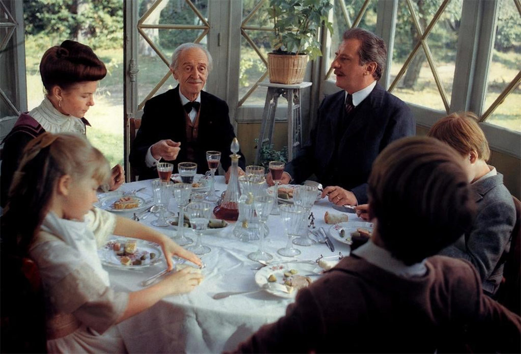 Louis Ducreux, Michel Aumont, Geneviève Mnich dans Un Dimanche à la campagne