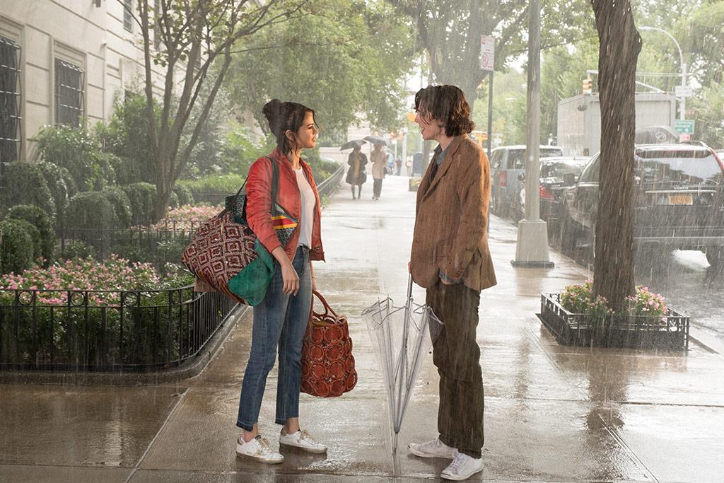 Selena Gomez, Timothée Chalamet dans Un Jour de pluie à New York