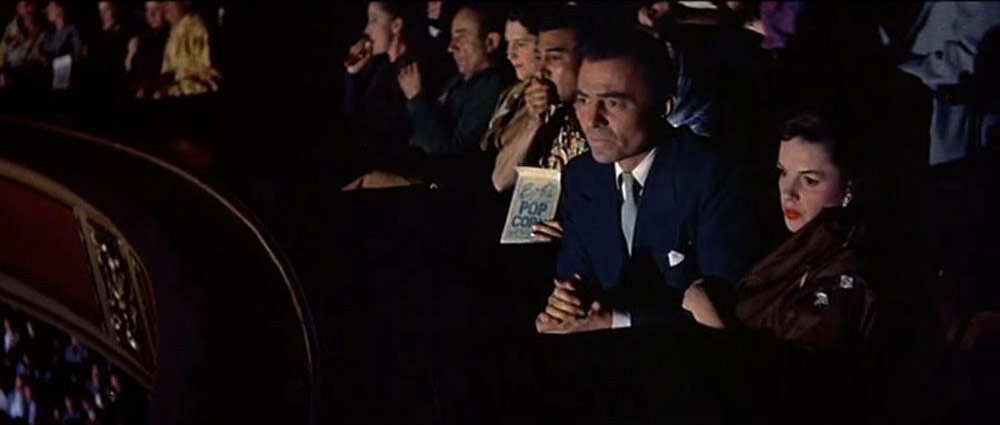 Judy Garland, James Mason dans Une étoile est née